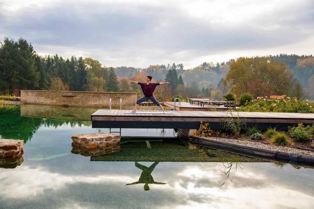 Fastenwandern im Wald Spa Resort Pfalzblick